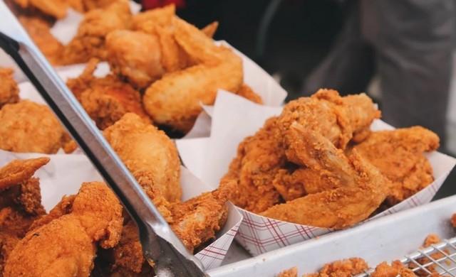 Пиян мъж поръча 189 парчета пиле без да иска