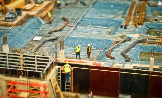 Лек ръст при сградното строителство през януари