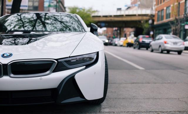 BMW спира производството на легендарния хибрид i8