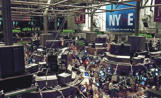 Паниката се завърна на пазарите, Dow с най-силен спад от 1987 г.