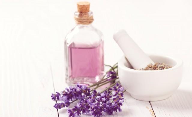 Заводите за луксозни парфюми във Франция произвеждат дезинфектант