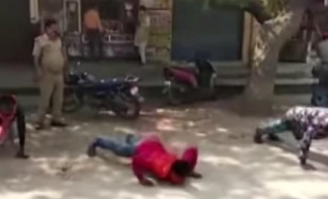 Бой и лицеви опори за нарушители на карантината в Индия (видео)