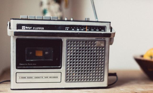 В кризисни моменти хората се връщат към радиото
