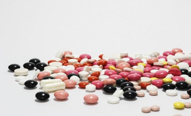 От утре в Гърция купуват лекарства с мобилните си телефони
