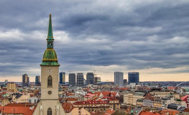 Словакия подкрепя бизнеса с 1 милиард евро месечно