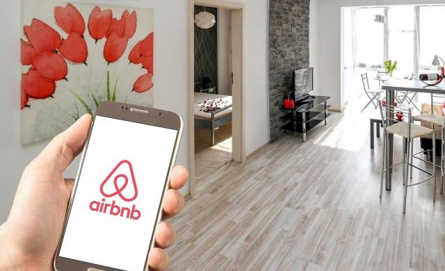 Airbnb ще компенсира наемодателите с 250 млн. долара