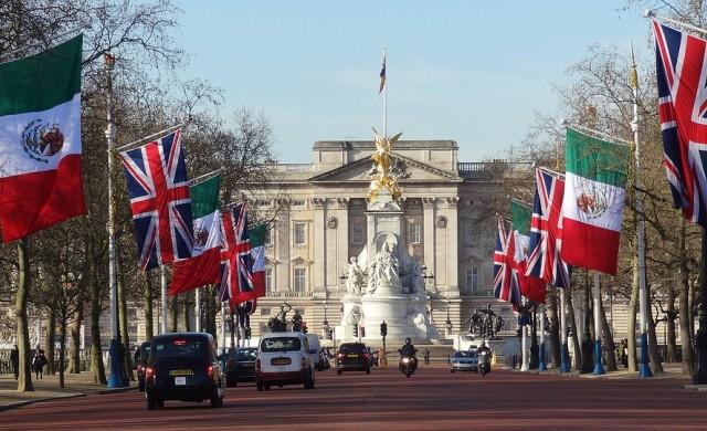 12 пъти, в които британското кралско семейство нарушава протокола си