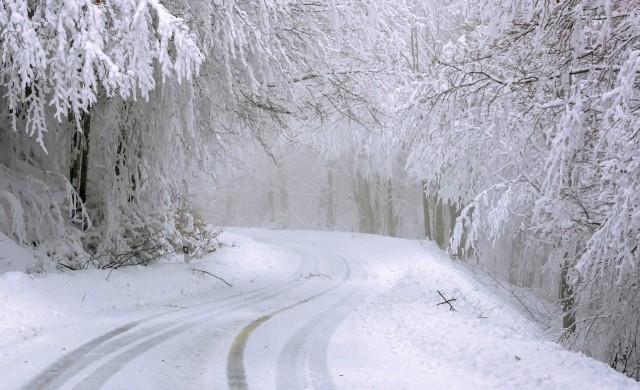 "Силен снеговалеж затвори пътя до хижа ""Алеко"""