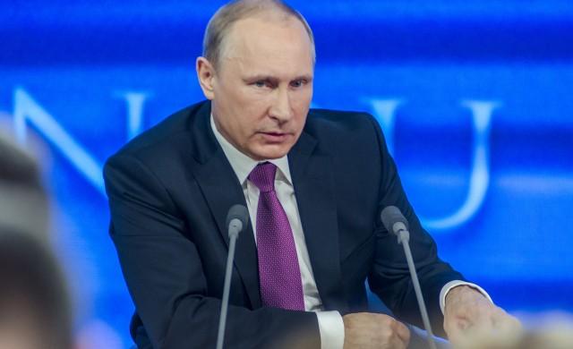 Владимир Путин се ваксинира срещу COVID-19
