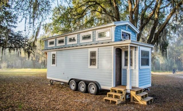 Какво е да живееш в малък дом на колела на собствен остров?