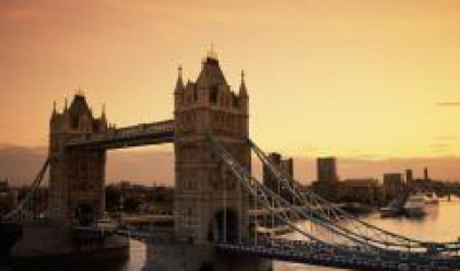 Лондон пребоядисва Tower bridge за 8 млн. долара