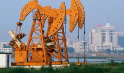 Петролът над 111 долара за барел
