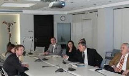Обсъдихме социално-икономическото положение у нас с английския посланик