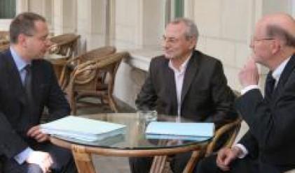 Станишев сменя 15 заместник-министри