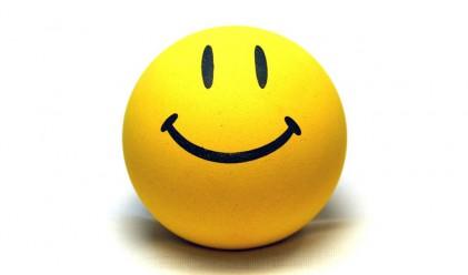 Усмихваме се повече отколкото се мръщим в интернет