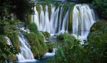 В Рио правят гигантски водопад