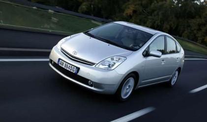 Toyota спира 600 000 минивана