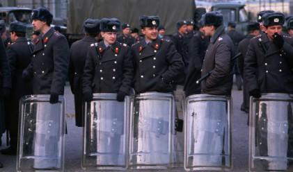 Москва уволнява 22 000 полицаи, вдига двойно заплатите
