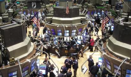 Разнопосочен ден за щатските индекси, спад за долара