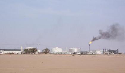 Бомбардираха най-голямото либийско петролнио находище