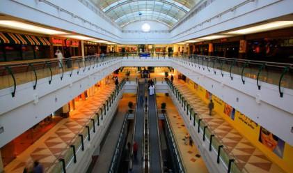 Оборотът в търговията на дребно с месечен ръст от 2.1%