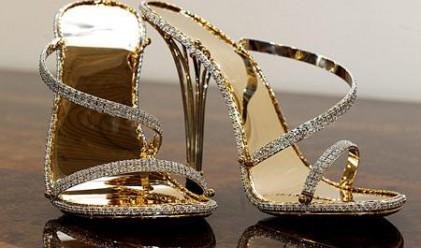 В Бирмингам показват най-скъпите обувки в света