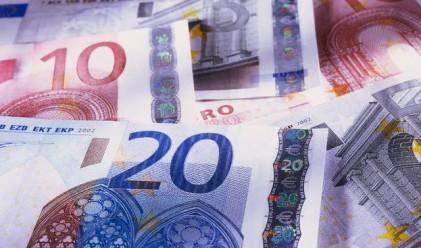 Гърците теглят парите си от банките