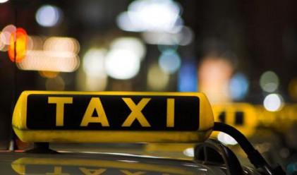 Картелът между таксиджиите в София продължава