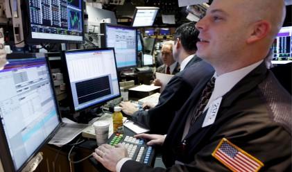 Разбитите надежди за монетарни стимули потопиха фондовите индекси