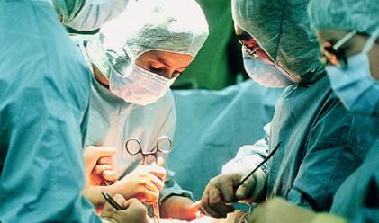 Американец оцеля с 10-сантриметров пирон в сърцето