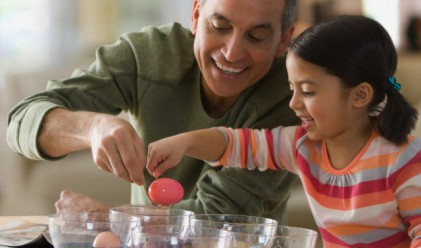 Да боядисаме яйца, без да си навредим