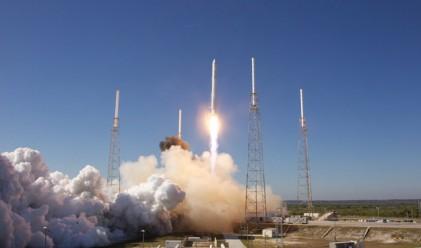 Първи частен космически кораб да полети към МКС