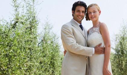 Бракът прави хората по-щастливи и богати