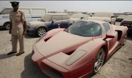 Ferrari Enzo стои забравено в Дубай вече 8 месеца