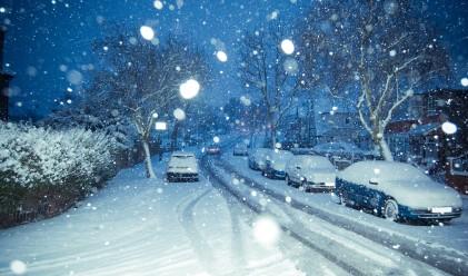Силен снеговалеж доведе до пътни инциденти в Германия