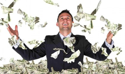 Какво различава богатите от нас, когато управляват парите си?