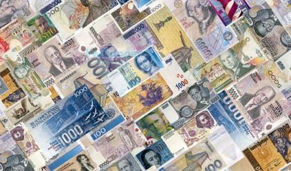 GS: Скъсявайте азиатските валути