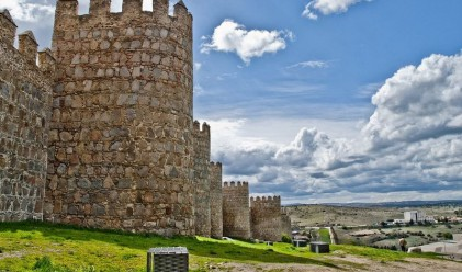 Най-красивите крепостни стени обграждат древния Авила