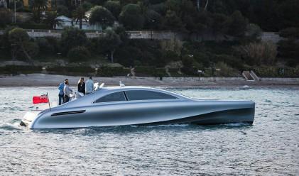 Яхтата на Mercedes-Benz е готова, но от нея ще има само 10 броя