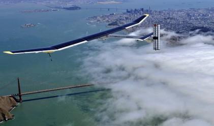 Самолет, задвижван от слънцето се приземи в Калифорния
