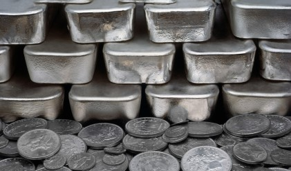 Среброто носи 22% доход от началото на 2016 г.