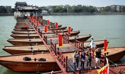 Това е най-древният плаващ мост в света