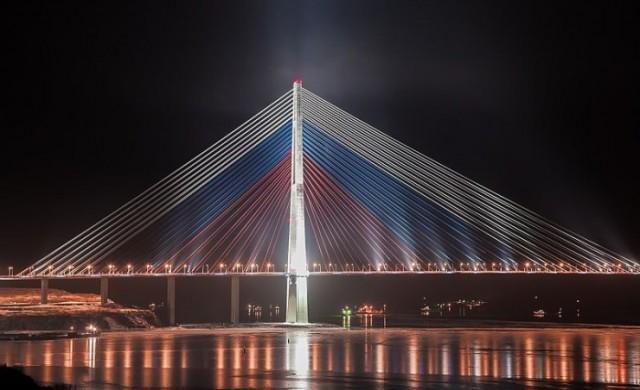 Амбициозният проект за мост, който струва милиарди на руснаците