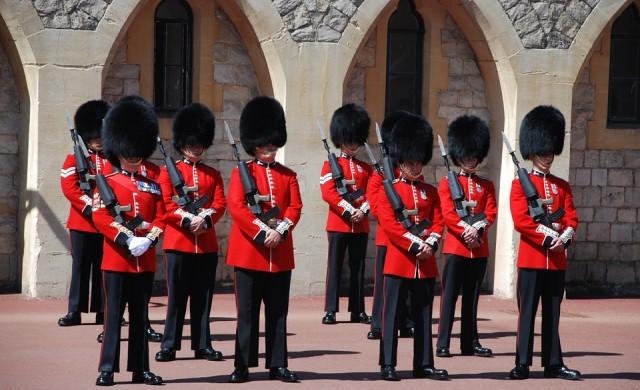 Вижте най-странните длъжности в Кралския двор на Великобритания