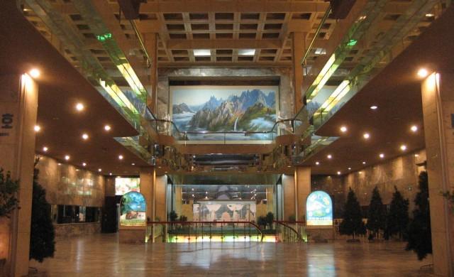 Най-луксозният хотел в Северна Корея, където капучино струва $7