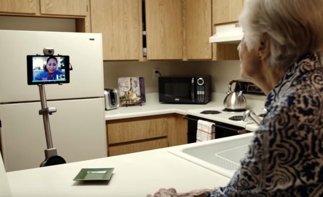 Робот поставя нов стандарт във видео разговорите