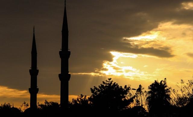 Започна гласуването на референдума в Турция