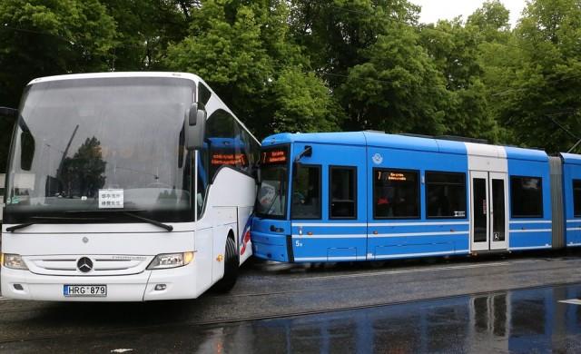 Няма пострадали български ученици при катастрофата в Италия