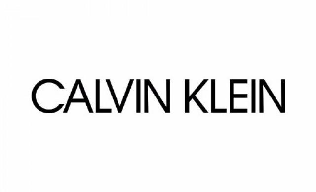 73-годишна актриса в реклама на бельо на Calvin Klein