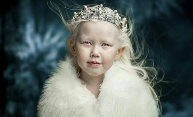 Всички модни агенции искат тази 8-годишна сибирска Снежанка